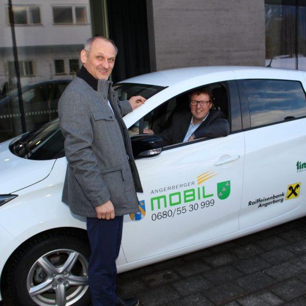 Angerberger Dorftaxi - neues E-Mobil. Foto: Wilhelm Maier