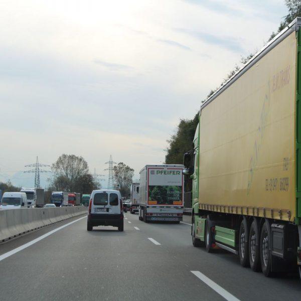 Lkw-Verkehr Inntalautobahn Tirol. Foto: Veronika Spielbichler