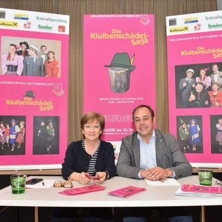 Obfrau Claudia Lugger mit Regisseur und Autor Manfred Schild. Foto: Gabi Grießenböck