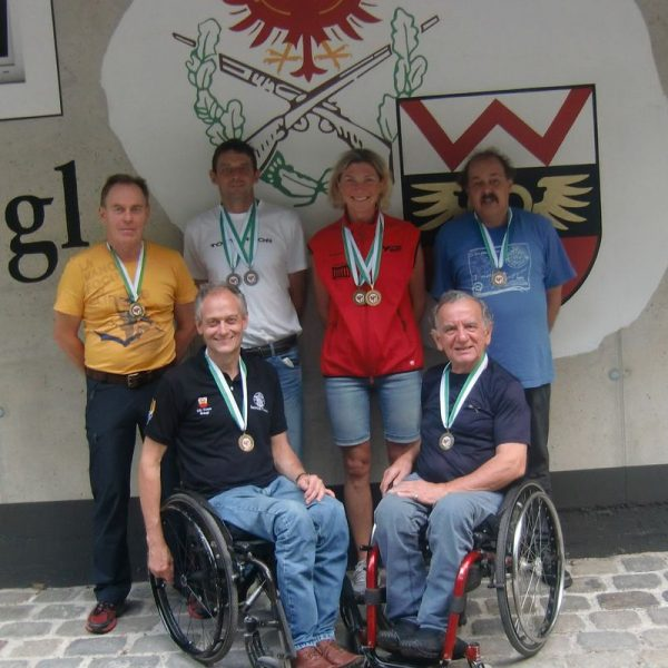 Die erfolgreichen Wörgler Schützen v.l.: Auer, Fill, Antonevich, Hörl, vorne Aufschnaiter und Smarazzo. Foto: SG-Wörgl