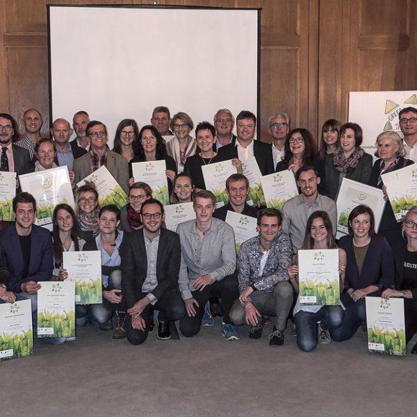 Nachhaltigkeit boomt: 28 VeranstalterInnen wurden am 2. November von LHStv.in Ingrid Felipe (links) als GREEN EVENT TIROL ausgezeichnet. Foto: Klimabündnis Tirol/Reuter