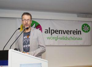 ÖAV Obmann (Sektion Wörgl-Wildschönau) Harald Ringer bei seinem Bericht. Foto: Wilhelm Maier