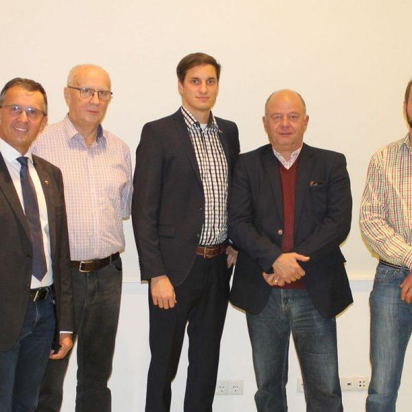 Der neue Wörgler ÖVP-Stadtparteivorstand mit La Alois Margreiter: Rolf Kainzner, Michael Riedhart, Dr. Andreas Widschwenter und Hubert Werlberger (von links). Foto: Tiroler Volkspartei