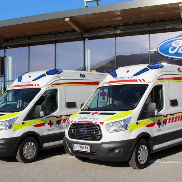 Zwei neue RK-Rettungsfahrzeuge für Ortsstelle Wörgl. Foto: Wilhelm Maier