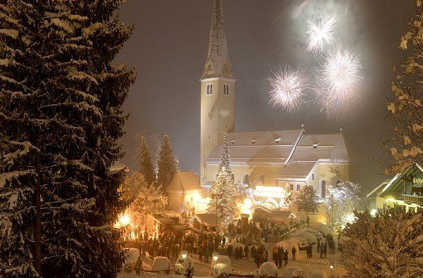 Am 30. Dezember 2017 findet von 19-24 Uhr wieder bei freiem Eintritt und bei jeder Witterung der Kirchbichler Jahresausklang statt. Foto: Hannes Dabernig