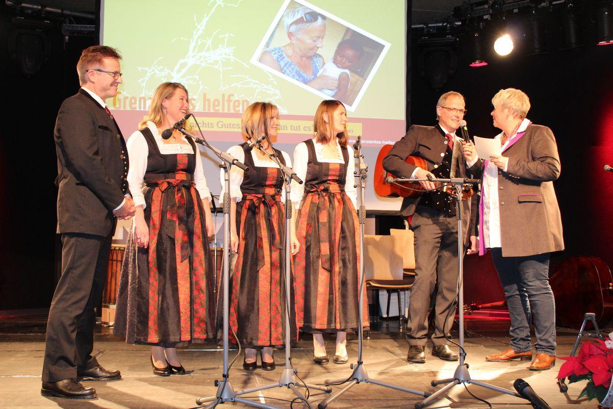 Benefizkonzert Grenzenlos helfen am 1.12.2017 im Komma Wörgl. Foto: Veronika Spielbichler