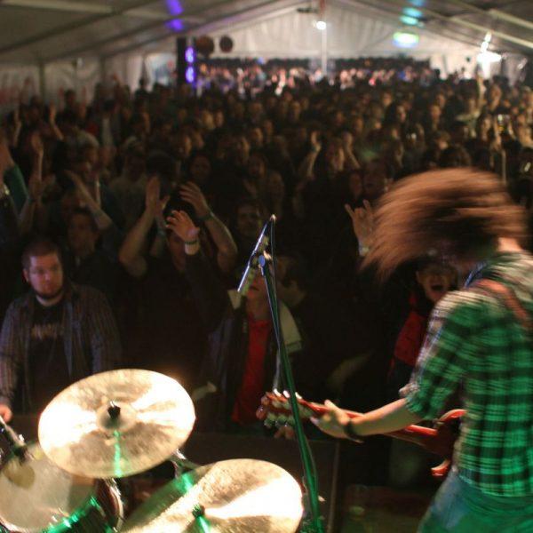 Das Pölvenrock-Festival bietet wieder eine Bühne für heimische Bands. Foto: Pölvenrock