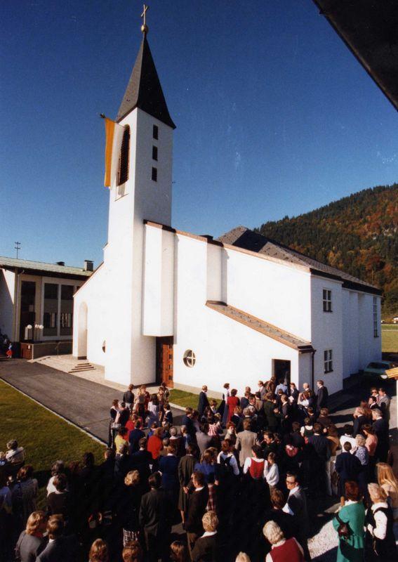 Am 15. Oktober 1978 wurde die Holzmeisterkirche in Bruckhäusl feierlich eingeweiht. Foto: Ascher