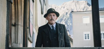 Das Wunder von Wörgl - Karl Markovics als Bürgermeister Michael Unterguggenberger. Foto: epo-film/Film-Line Productions/Hendrik Heiden