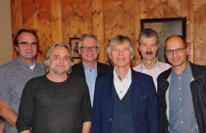 Der neue Vorstand des Alumni-Vereins BRG Wörgl mit Obmann Dr. Alfred Schmidt (3.v.r.). Foto: Albin Ritsch