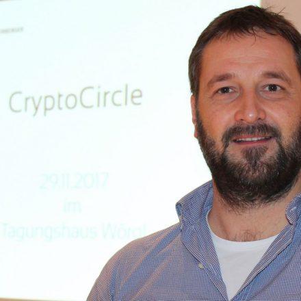 IT-Experte Heinz J. Hafner leitet den CryptoCircle des Unterguggenberger Institutes. Foto: Veronika Spielbichler