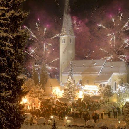 Höhepunkt der Kirchbichler Vorsilvesterparty am 30. Dezember 2018 ist das Feuerwerk um 22 Uhr. Foto: Hannes Dabernig