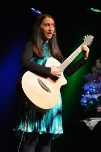 Lydia Prenner-Kasper beim Weihnachts-Special im Komma 2018. Foto: Veronika Spielbichler