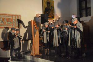 """Singspiel """"Stille Nacht - vom Friedenslied zum Kaufhaushit"""" der Academia Vocalis 2018 in der Holzmeisterkirche Bruckhäusl. Foto: Veronika Spielbichler"""