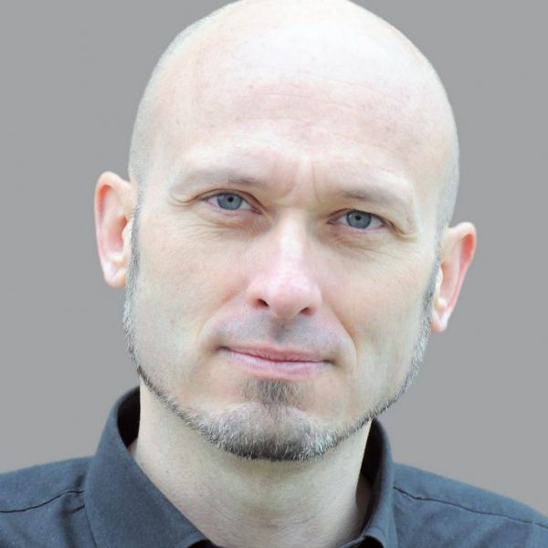 Michael Bonvalot referiert am 11.2.2019 in Wörgl über die Pläne der österreichischen Bundesregierung. Foto: Wörgler Grüne