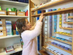 Das Montessorihaus Wörgl bietet ab Herbst 2019 neben der Schule auch Kinderbetreuung in der neuen Kinderkrippe sowie einem Kindergarten an. Foto: Montessorihaus Wörgl