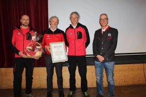 OSTL. Dietmar Aichhorn, Hermann Spiegl (40 J.), OSTL. Gerhard Unterberger (BRD Kramsach), Bezirksleiter Norbert Wolf. Foto: Wilhelm Maier