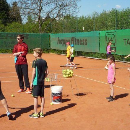 Der Tennisclub Wörgl lädt am 4. Mai 2019 zum Schnuppertraining. Foto: TC Wörgl