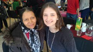 Latifa und Réka im Frauencafé Wörgl. Foto: Komm!unity