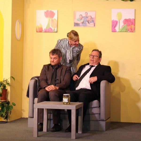 """Vorpremiere """"Ein Mädchen muss her"""" bei der Stadtbühne Wörgl im April 2019. Foto: Wilhelm Maier"""