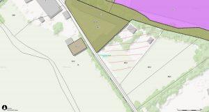 Auf dem schraffierten Gelände will der Grundbesitzer eine Hundepension errichten. Die Wörgler Grünen sind dagegen. Foto: Tiris