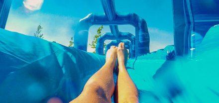 Eine Riesenwasserrutsche erwartet die Partygäste beim Summersplash in Wörgl. Foto: Das Erlebnismanagement GmbH
