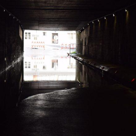 12. Juni 2019: Die Hälfte der Bahnunterführung in Richtung Ferdinand-Raimund-Straße steht bereits unter Wasser. Eine Benützung ist daher derzeit nicht möglich. Foto: Stadtgemeinde Wörgl