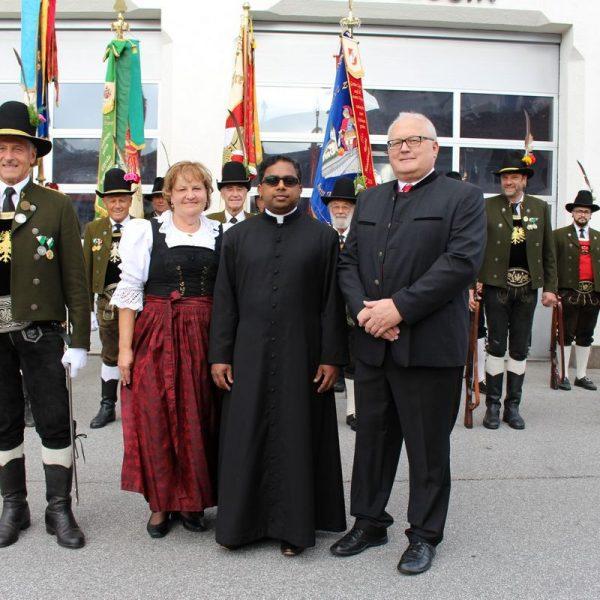 Hauptmann Johann Krainthaler, Obfrau Margreth Osl, Pfarrprovisor Dr. Binumon John, Bgm. Josef Osl. Foto: Wilhelm Maier