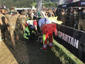 Das Samariterbund beim Sanitätsdienst beim Spartan Race. Foto: Samariterbund Tirol
