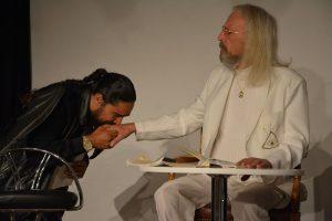 """Theater unterLand - Probe zu """"Krach im Hause Gott"""" von Felix Mitterer im Oktober 2019. Foto: Veronika Spielbichler"""