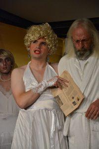 """Theater unterLand - """"Krach im Hause Gott"""" in der Zone Kultur.Leben.Wörgl, Premiere am 25.10.2019. Foto: Veronika Spielbichler"""
