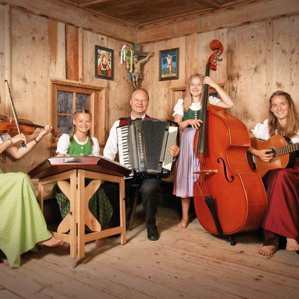 Die Familienmusik Puchleitner. Foto: Wolfgang Alberty