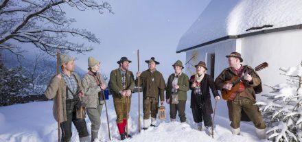 Die Wörgler Stadtklöpfler laden am 14.12.2019 zum Anklöpflertreffen mit vielen Gruppen in der Wörgler Pfarrkirche. Foto: Dabernig