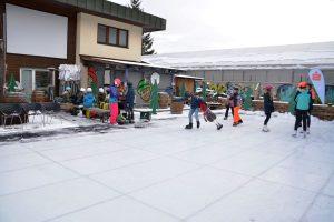 Kunsteislaufplatz in der Zone Wörgl im Dezember 2019. Foto: Veronika Spielbichler