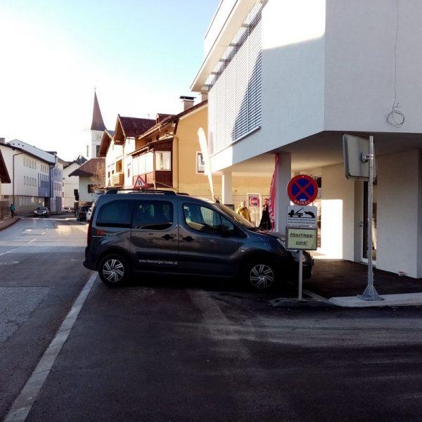 Parkplatzprobleme beim neuen Haus der Musik in Wörgl. Januar 2020. Foto: Veronika Spielbichler