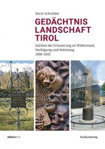 """Horst Schreiber stellt beim Philosophischen Café am 17.1.2020 in Kufstein sein Standardwerk """"Gedächtnislandschaft Tirol"""" vor. Foto: Studienverlag"""