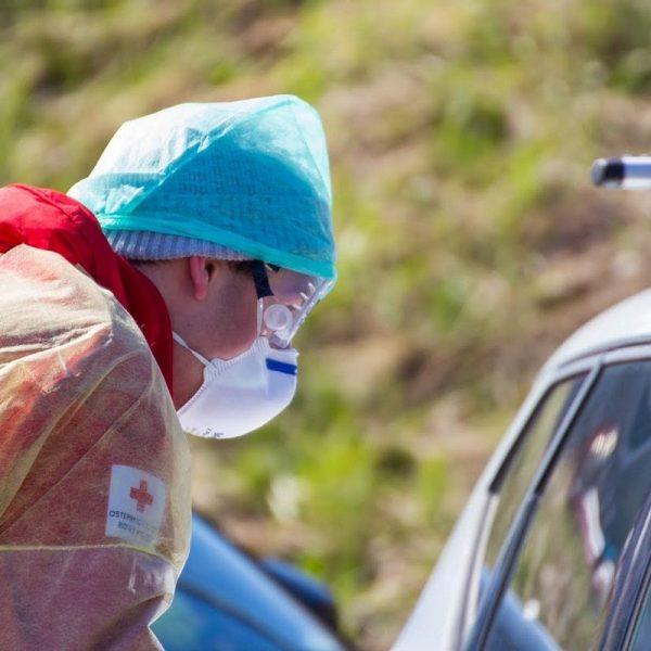 Rot Kreuz-MitarbeiterInnen sind auch beim Screening im Einsatz. Foto: Rotes Kreuz
