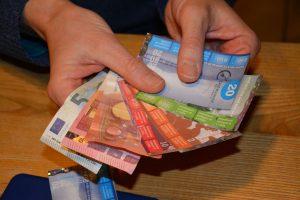 Im Chiemgau ergänzt Regiogeld den Euro. Foto: Unterguggenberger Institut/Veronika Spielbichler