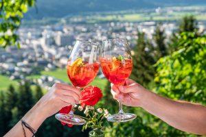 Die Wörgler Gastronomie lädt zum Zammkemma & genießen bei den Wörgler Sommernächten. Foto: Stefan Ringler
