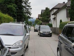 Die Unterguggenberger Straße vor dem Pflichtschulzentrum - seit Jahren wird an einer besseren Verkehrslösung gearbeitet. Foto: Wörgler Grüne