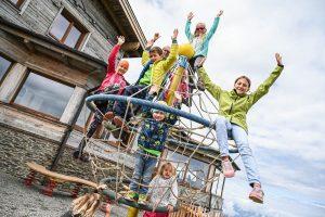 Beim Familientag am 23. August 2020 wurde ein neuer Spielplatz auf dem Gipfel der Hohen Salve eröffnet. Foto: Magdalena Laiminger