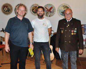 KK Allgemeine Klasse Sieger Helmut Fischer, Kassier Peter Bauhofer, OSM Alfred Bauhofer. Foto: Wilhelm Maier