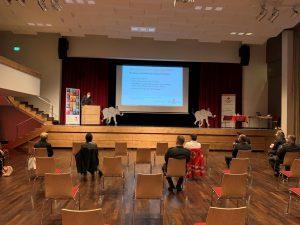 Covid19-bedingt wurde auf Einhaltung der Sicherheitsmaßnahmen bei der Feier im Kufsteiner Stadtsaal strengstens geachtet. Foto: ÖRK Kufstein