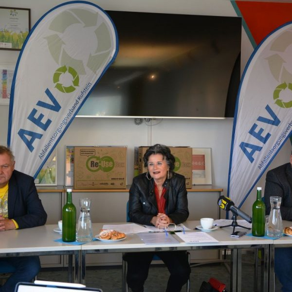 AEV-Pressekonferenz Neuregelung Restmüll Siedlungsabfälle am 1.10.2020 bei den Stadtwerken Wörgl. Foto: Veronika Spielbichler