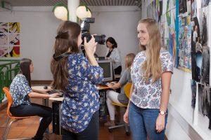 """Auch im Unterricht wurde das Online-Angebot für den """"Tag der offenen Schule"""" 2020 erarbeitet. Foto:BFWörgl"""