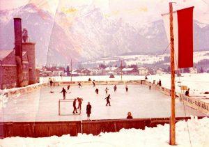 Im Winter 1963/64 eröffneten Sepp und Käthe Margreiter in einer völligen Privatinitiative den ersten Kundler Eislaufplatz am Achenfeldweg. (Foto: Archiv Sepp Margreiter)