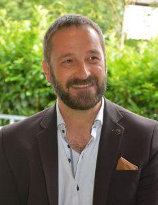 Heinz J. Hafner leitet weiterhin den CryptoCircle des Unterguggenberger Institutes, der 2021 räumlich in die Zone Wörgl übersiedelt. Foto: Veronika Spielbichler