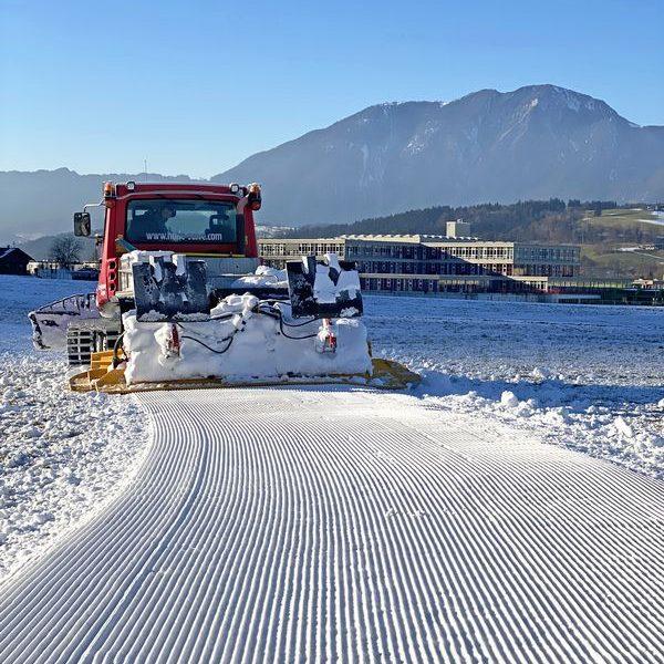 Im Dezember 2020 konnte erstmalig eine schneesichere Nachtloipe in Wörgl geschaffen werden. Foto: TVB Ferienregion Hohe Salve