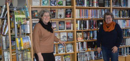 Manuela Atzl und Eva Schaffer bilden das neue Team in der Wörgler Stadtbücherei (von links). Foto: Veronika Spielbichler