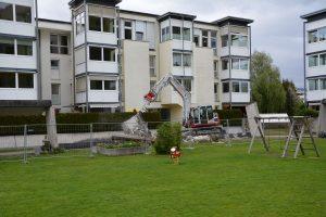 Abbruch Laubengang Wohnanlage Winklweg 2-14 in Wörgl im Mai 2021. Foto: Veronika Spielbichler